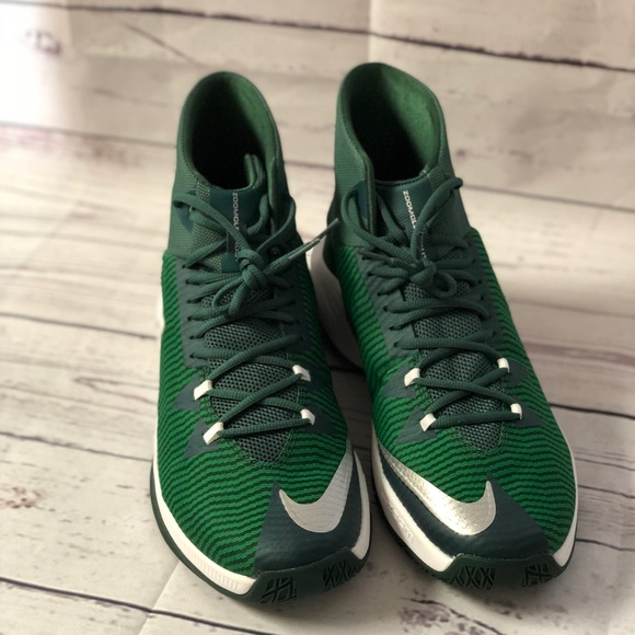 2e52746e241f Men s Nike Zoom Clear Out GORGE GREEN size 14. M 5a95bf1bcaab44891c509842